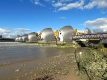 Themsenflodbarriär Arkivfoto