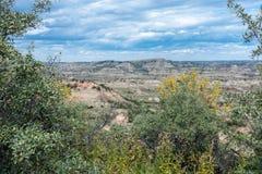 Theodore Roosevelt National Park badlandslandskap nära Medora, North Dakota i sommar royaltyfri foto
