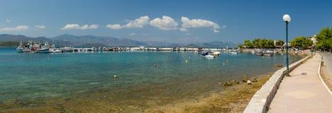 Theologos港口,弗西奥蒂斯州,希腊全景  免版税库存图片
