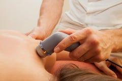 Therapeutischer Ultraschall lizenzfreie stockfotografie