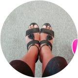 There& x27 ; s personne est avec nous excepté nos chaussures photographie stock libre de droits