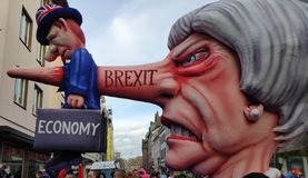 Theresa May doodt de economie royalty-vrije stock fotografie