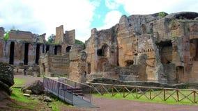 Thermae o Grandi magn?fico Terme del chalet Adriana o del sitio arqueol?gico del chalet de Hadrians de la UNESCO en Tivoli - Roma almacen de video