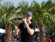 Therme Balotesti - концерт Publika - певица стоковое изображение