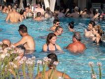 Therme Balotesti - люди в бассейне стоковое изображение rf