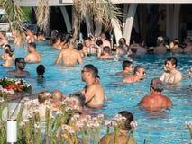 Therme Balotesti -水池的人们 免版税图库摄影