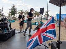 Therme Balotesti - concierto Publika - bandera BRITÁNICA fotografía de archivo