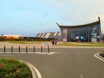 Therme Boekarest - zijaanzicht bij zonsondergang Royalty-vrije Stock Foto