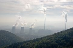 Thermische elektrische centrale Royalty-vrije Stock Afbeeldingen