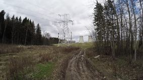 Thermische elektrische centrale Weg aan de elektrische centrale stock footage