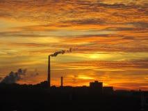 Thermische Triebwerkanlage Sonnenuntergang Dmitrov Kremlin Stockbild