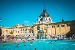 Thermischer Swimmingpool in Budapest, Ungarn Lizenzfreies Stockbild