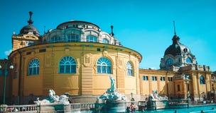 Thermischer Swimmingpool in Budapest, Ungarn Stockfoto