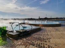 Thermisches Pool im Freien bei Therme, Balotesti, Rumänien Stockfoto
