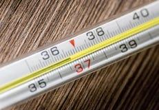Thermomètre 36 de médecine de Mercury 6 Photos stock