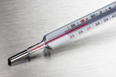 Thermomètre médical de ménage Photographie stock libre de droits