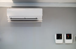 Thermomètre numérique et mètre d'humidité photographie stock