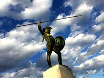 THERMOPYLAE,希腊- 2017年12月:在纪念品对300 spartans, Thermopylae, Pthiotis,希腊的利奥尼达斯雕象 库存照片