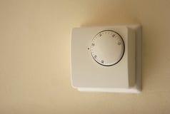 Thermostat de chaudière de chauffage domestique Images stock