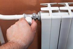 Thermostat du radiateur à la maison de la chaleur Photo libre de droits