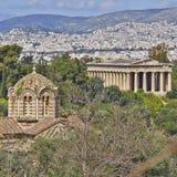 Theseion寺庙和圣洁传道者教会 免版税库存照片