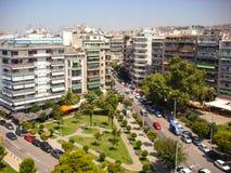 Thessaloniki, Греция - 7-ое июня 2014: городской пейзаж - блоки квартир в городе Thessaloniki, Греции Стоковое фото RF