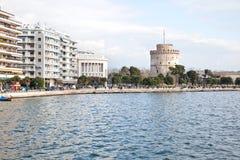 thessaloniki Argine vicino alla torre bianca fotografia stock libera da diritti