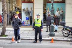 thessaloniki Funkcjonariusz policji na miasto ulicie Obrazy Stock