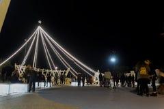Thessaloniki Grekland - December 11 2016: Julpynt på centret Arkivbild