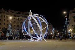 Thessaloniki Grekland - December 11 2016: Julpynt på centret Arkivfoto
