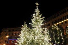 Thessaloniki Grekland jul 2018 garneringar på den Aristotelous fyrkanten royaltyfri bild