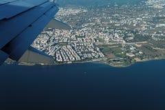 Thessaloniki, Griekenland luchtmening van een vliegend vliegtuig Stock Afbeelding