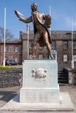 THETFORD, NORFOLK/UK - 24. APRIL: Statue von Thomas Paine-Autor Stockbild