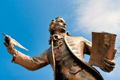 THETFORD, NORFOLK/UK - 24 AVRIL : Statue d'auteur de Thomas Paine Image stock