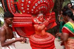 Theyyam艺术家 免版税图库摄影