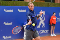 Thiemo De Bakker bawić się przy ATP Barcelona (gracz w tenisa od holandii) Obrazy Royalty Free