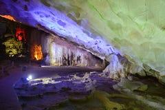 Thien Cung Cave - mening binnen van het hol Royalty-vrije Stock Afbeelding