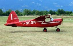 Thiene Vicenza - Italien 26th Juli, 2015: ljust flygplan Royaltyfri Foto