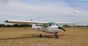 Thiene Vicenza - Italien 26th Juli, 2015: ljust flygplan i Iet Arkivbild