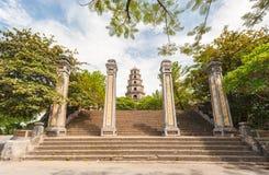 Thienmu Pagode, Tint, Vietnam. Unesco-de Plaats van de Werelderfenis. Royalty-vrije Stock Afbeeldingen