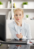 Thinking businesswoman Royalty Free Stock Images