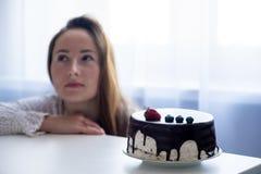 Free Thinking Of Enjoying The Taste Of Delicious Dessert Stock Photo - 189859420