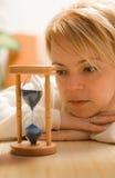 thinking waiting woman Στοκ φωτογραφίες με δικαίωμα ελεύθερης χρήσης