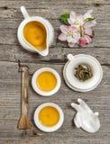 Théière et cuvettes Ustensiles pour la cérémonie de thé de chinois traditionnel Photos libres de droits