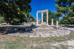Tholos奥林匹亚希腊 免版税库存照片