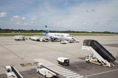 Thomas Cook Airbus A320-200 bij de Luchthaven van Luik stock foto
