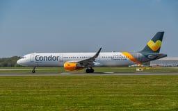 Thomas Cook Airbus A321 klaar voor start Condorlivrei royalty-vrije stock afbeelding