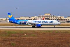 Thomas Cook Airbus A321 på Malta Arkivbild