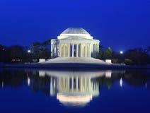 Thomas Jefferson Memorial på gryning Arkivfoto