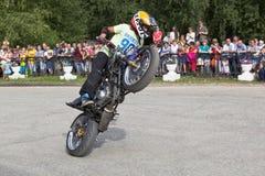 Thomas Kalinin Moto show i byn Verkhovazhye Royaltyfria Foton